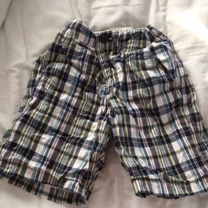 Gap kids size 7 plaid shorts.